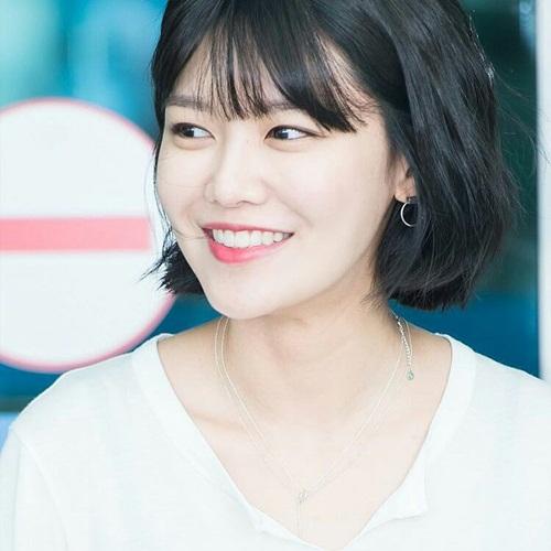 sao-han-27-6-eun-ji-co-than-hinh-dang-ghen-ty-park-seo-joon-khoe-co-bap-2