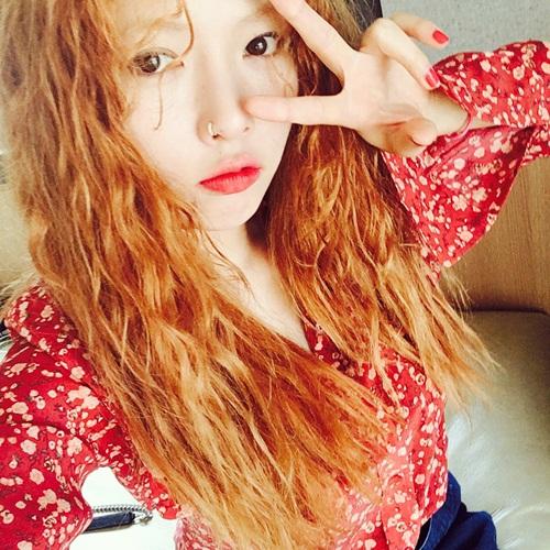 sao-han-28-6-suzy-khong-trang-diem-van-xinh-na-eun-khoe-eo-thon-2