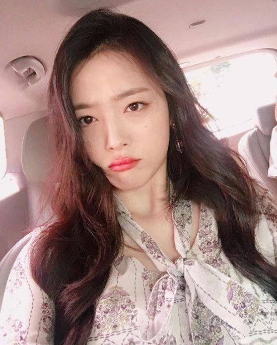 sulli-lo-nguyen-bau-nguc-van-khong-cuu-duoc-phim-cua-kim-soo-hyun-3