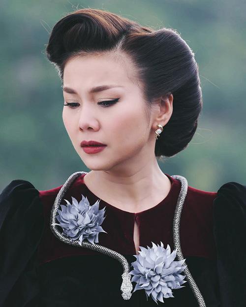 sao-viet-1-7-chi-pu-lan-at-nu-than-kpop-thanh-hang-roi-nuoc-mat-dien-me-chong