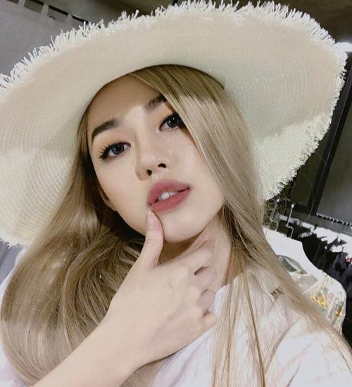 chieu-makeup-che-mat-nhu-buon-ngu-cua-my-nhan-the-face-khanh-linh-4