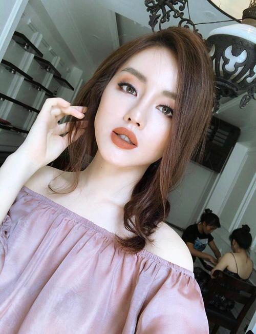 chieu-makeup-che-mat-nhu-buon-ngu-cua-my-nhan-the-face-khanh-linh-7