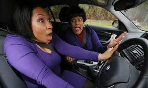 Loạt ảnh hài hước chứng minh 'bán xăng cho phụ nữ là một tội ác'
