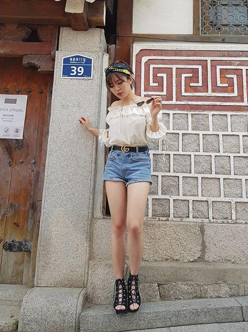 street-style-khoe-chan-thon-dang-chun-cua-sao-viet-tuan-qua-8