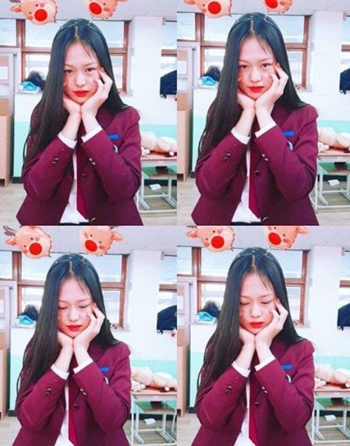 mau-15-tuoi-co-nhan-sac-hao-hao-loat-idol-dep-hang-dau-kpop-5