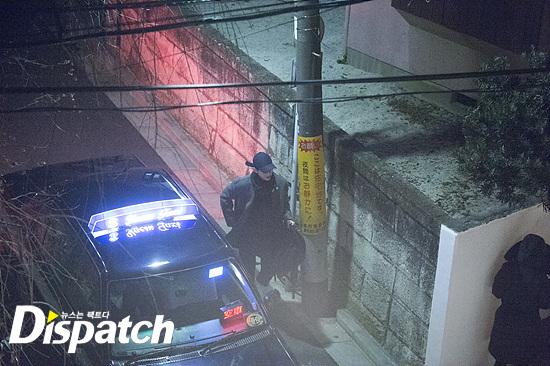 song-joong-ki-song-hye-kyo-bi-tung-loat-anh-hen-ho-trong-dem-8