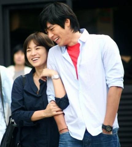 song-joong-ki-nguoi-cuoi-cung-o-lai-sau-chuoi-nghi-van-phim-gia-tinh-that-cua-song-hye-kyo-6