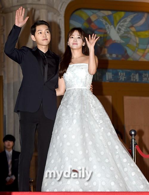 song-joong-ki-nguoi-cuoi-cung-o-lai-sau-chuoi-nghi-van-phim-gia-tinh-that-cua-song-hye-kyo