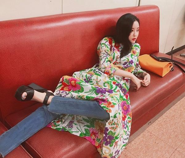 sao-han-5-7-tae-yeon-mat-non-choet-qri-an-gian-tuoi-voi-style-thieu-nu-7