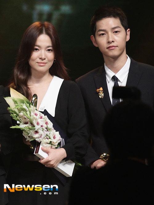 10-lan-song-hye-kyo-song-joong-ki-chung-minh-tinh-yeu-bang-do-doi-9