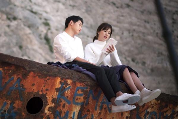 10-lan-song-hye-kyo-song-joong-ki-chung-minh-tinh-yeu-bang-do-doi-1