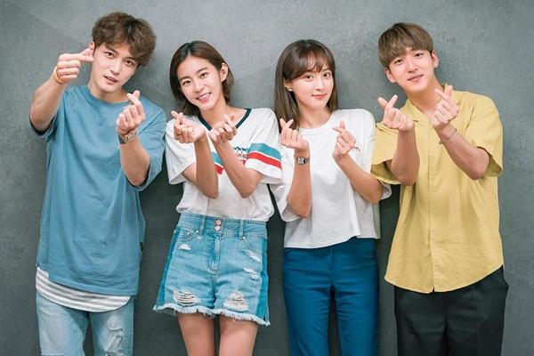 sao-han-6-7-kim-so-hyun-xung-danh-my-nu-co-trang-rose-khoe-dang-mi-nhon-5