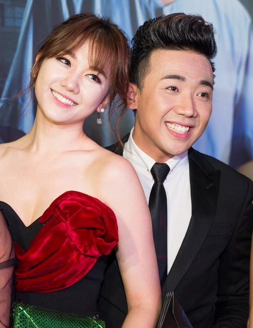 2-cap-sao-viet-co-chuyen-tinh-hao-hao-giong-song-song-6