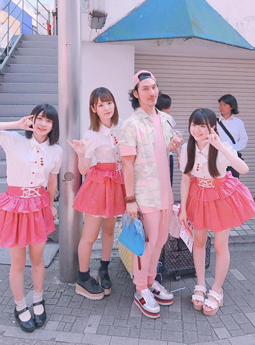 sao-viet-7-7-subeo-chan-dai-khong-kem-me-huyen-baby-khoe-hom-lung-sexy-1