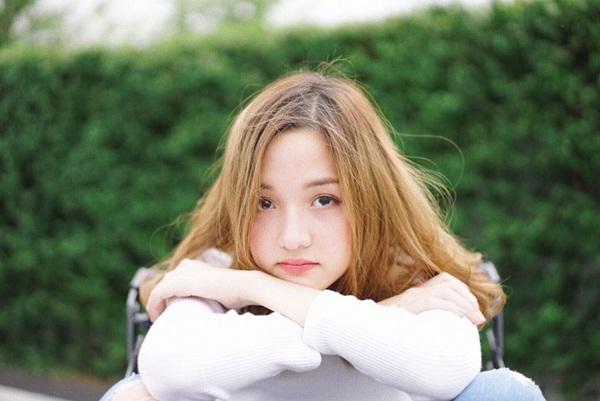 Ở tuổi 18, Jida là một trong những teen girl được giới trẻ Thái Lan yêu mến. 9x có   hơn 260.000 người hâm mộ trên mạng xã hội.