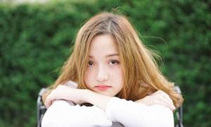 Hot girl Thái sinh năm 1999 mặt tròn xinh như búp bê