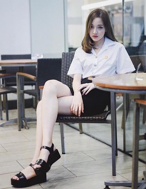 hot-girl-thai-sinh-nam-1999-mat-tron-xinh-nhu-bup-be-6