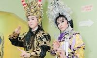 bo-jun-pham-66-tuoi-van-xai-facebook-de-theo-doi-con-9