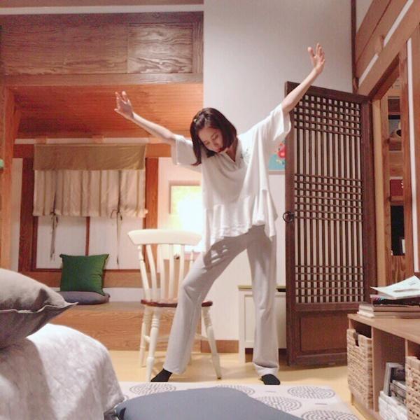 sao-han-8-7-dara-hoa-fan-cuong-khi-thay-cl-yura-khoe-chan-thon-nuot-6