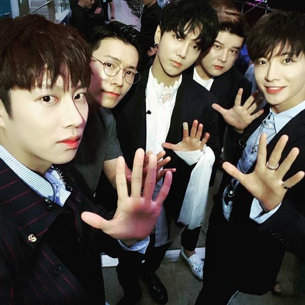 sao-han-9-7-snsd-khoe-dang-goi-cam-momo-da-hyun-than-mat-do-cute-3
