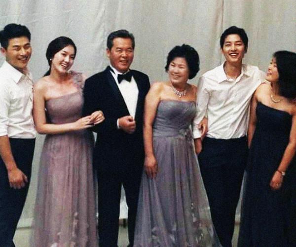 bo-song-joong-ki-giai-thich-viec-phan-doi-con-trai-lay-vo-hon-tuoi
