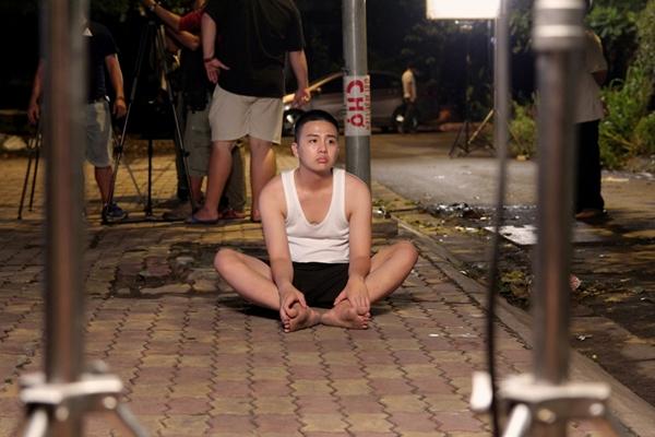 duy-khanh-ru-loat-ban-than-choi-lay-tham-gia-web-drama-tien-ty-6