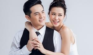 Đông Nhi - Ông Cao Thắng liên tục diện đồ cưới trong 8 năm yêu nhau