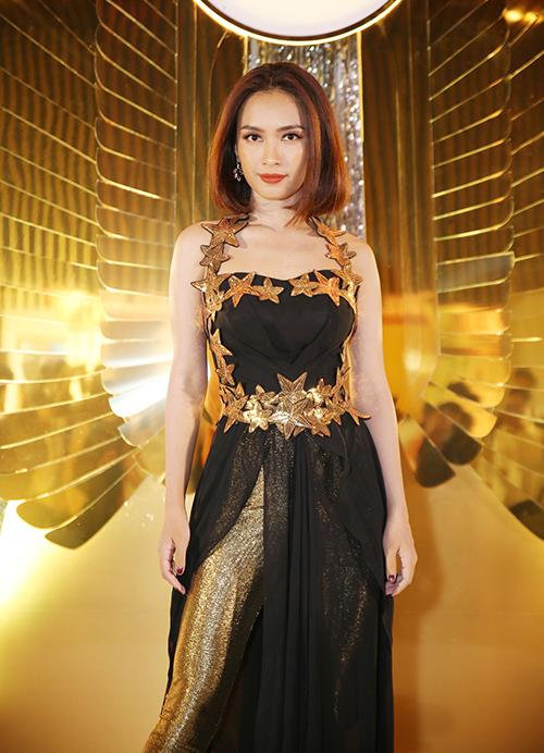 angela-phuong-trinh-dang-thu-thao-hoa-cac-nu-than-ai-cap-sexy-11