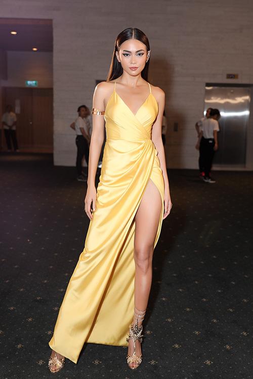angela-phuong-trinh-dang-thu-thao-hoa-cac-nu-than-ai-cap-sexy-6