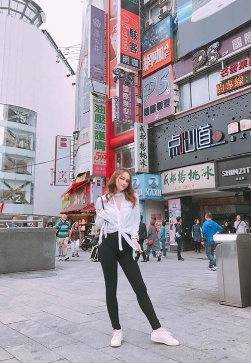 huong-giang-idol-mac-the-nay-di-choi-ai-cung-phai-ngoai-nhin-3