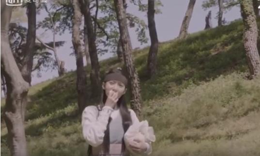 yoon-ah-snsd-cu-dong-phim-la-boc-lo-ban-chat-thuc-than-9