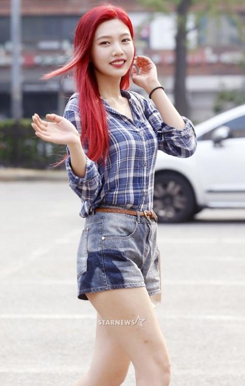 dan-girl-crush-kpop-khoe-dang-khi-den-music-bank-1