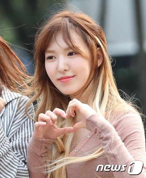dan-girl-crush-kpop-khoe-dang-khi-den-music-bank-7
