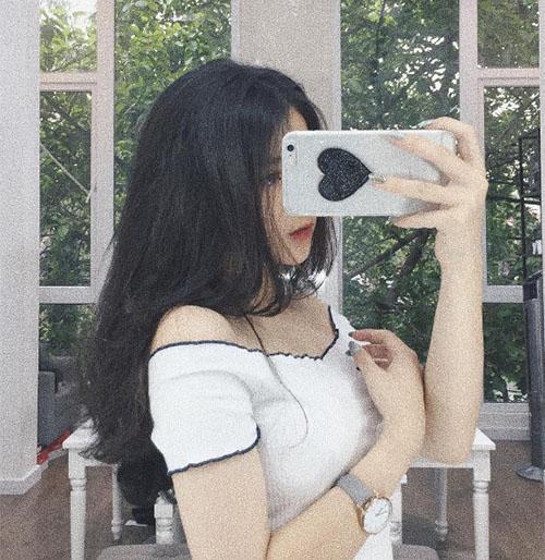 hot-girl-linh-ka-moi-15-tuoi-da-me-tit-do-tre-nai-sexy-4