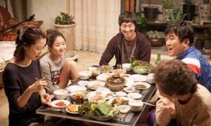 9 điều cấm kỵ khi ăn uống tại Hàn Quốc
