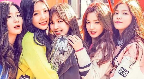 4-girl-group-vua-ra-mat-da-lien-tuc-gianh-cup-9
