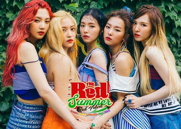 4-girl-group-vua-ra-mat-da-lien-tuc-gianh-cup-11