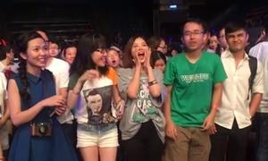 Suni Hạ Linh hò hét đòi Shane Filan tiếp tục hát khi show kết thúc