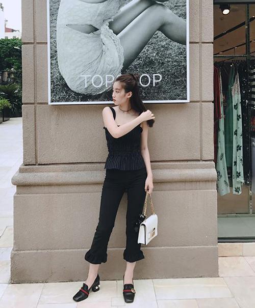 street-style-khong-co-gi-de-che-cua-sao-viet-tuan-thoi-tiet-that-thuong-2