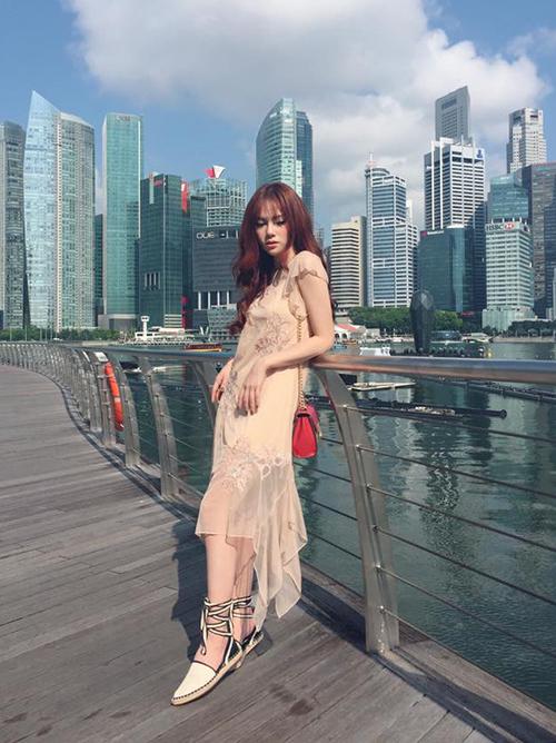 street-style-khong-co-gi-de-che-cua-sao-viet-tuan-thoi-tiet-that-thuong-9