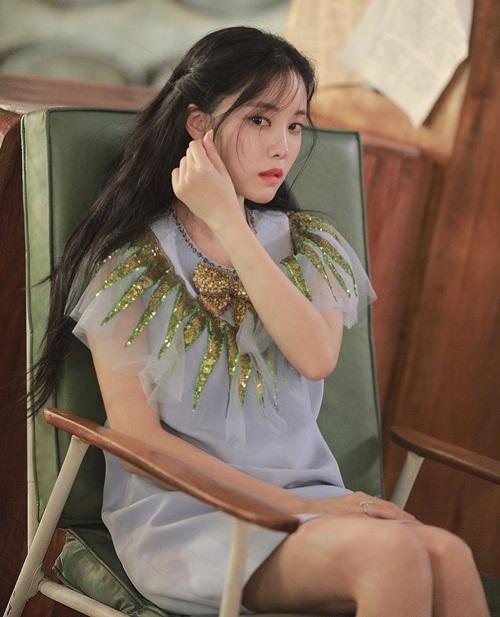 sao-han-18-7-suzy-toc-dai-xinh-nhu-nu-than-yoon-ah-phot-lo-trai-dep-6