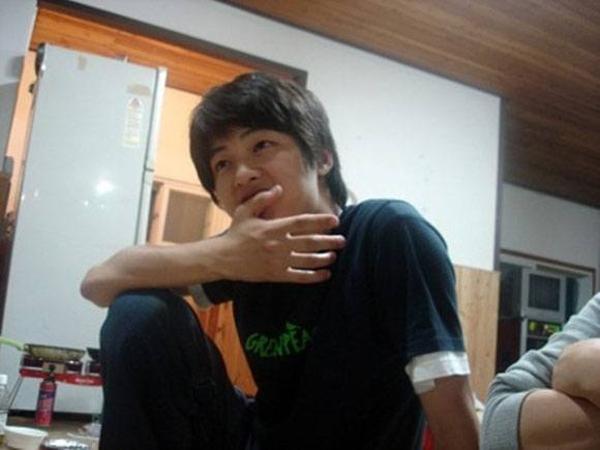 song-joong-ki-thoi-sinh-vien-da-dep-xuat-sac-2