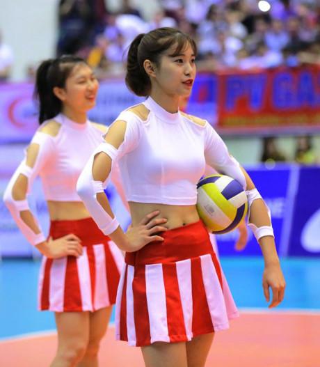 hot-girl-bong-chuyen-10x-cao-1-76m-xung-danh-con-nha-nguoi-ta-page-2-2
