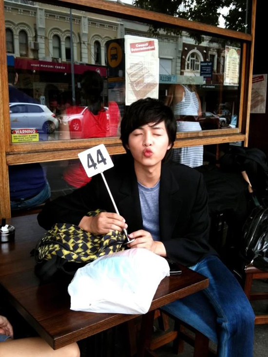 song-joong-ki-thoi-sinh-vien-da-dep-xuat-sac-7