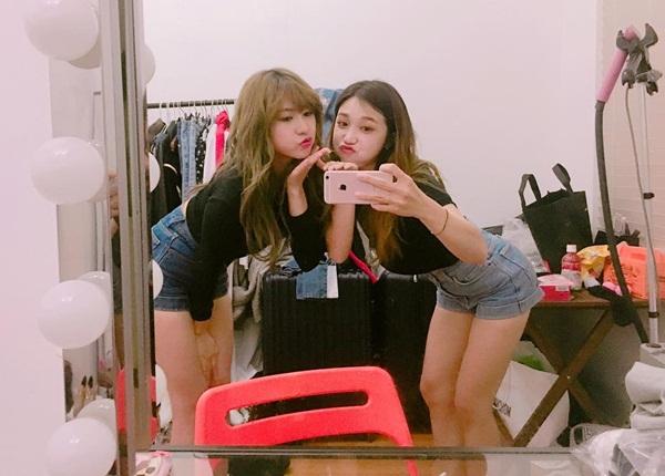 sao-han-19-7-black-pink-khoe-ve-sang-chanh-sana-de-toc-mai-thua-cute-4