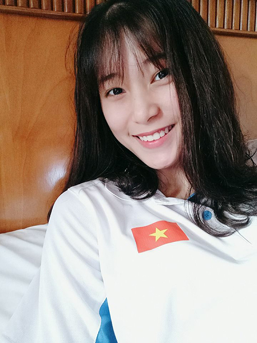 hot-girl-bong-chuyen-10x-cao-1-76m-xung-danh-con-nha-nguoi-ta-3