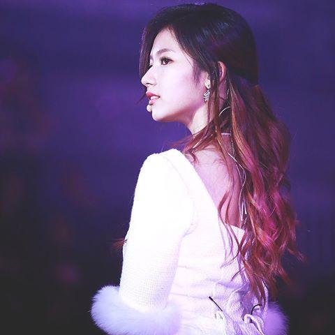 dan-visual-hot-nhat-kpop-chuong-tong-toc-tim-sang-chanh-2