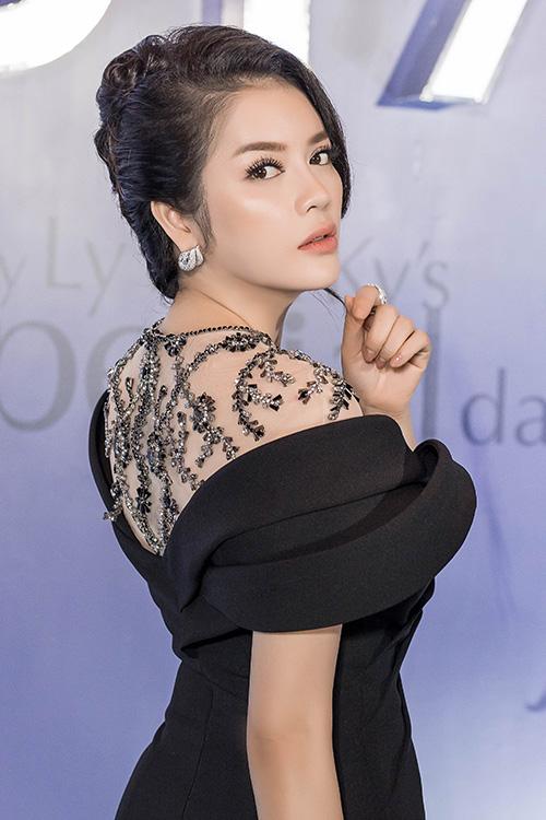 dan-sao-viet-den-chuc-mung-sinh-nhat-ly-nha-ky-7