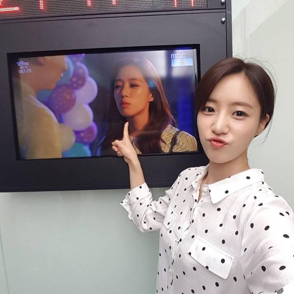 sao-han-20-7-park-shin-hye-gui-xe-do-an-cho-krystal-hyo-min-dang-dep-my-mieu-2