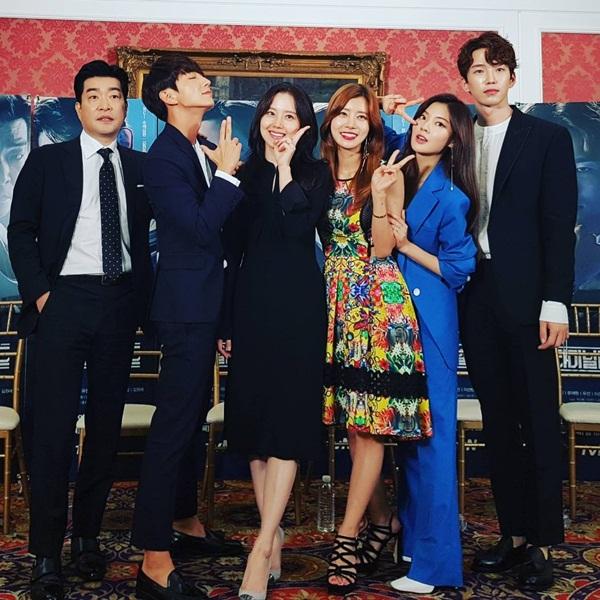 sao-han-20-7-park-shin-hye-gui-xe-do-an-cho-krystal-hyo-min-dang-dep-my-mieu-4